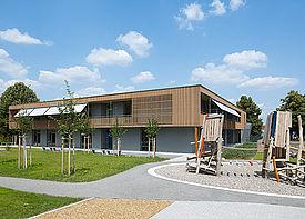 Ansicht des Außengeländes der Kindertagesstätte Merlin in Bruchsal