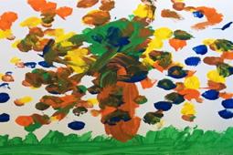 ein Kunstwerk, das einen Herbstbaum darstellt